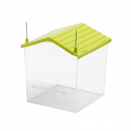 Bañera exterior con forma de casita